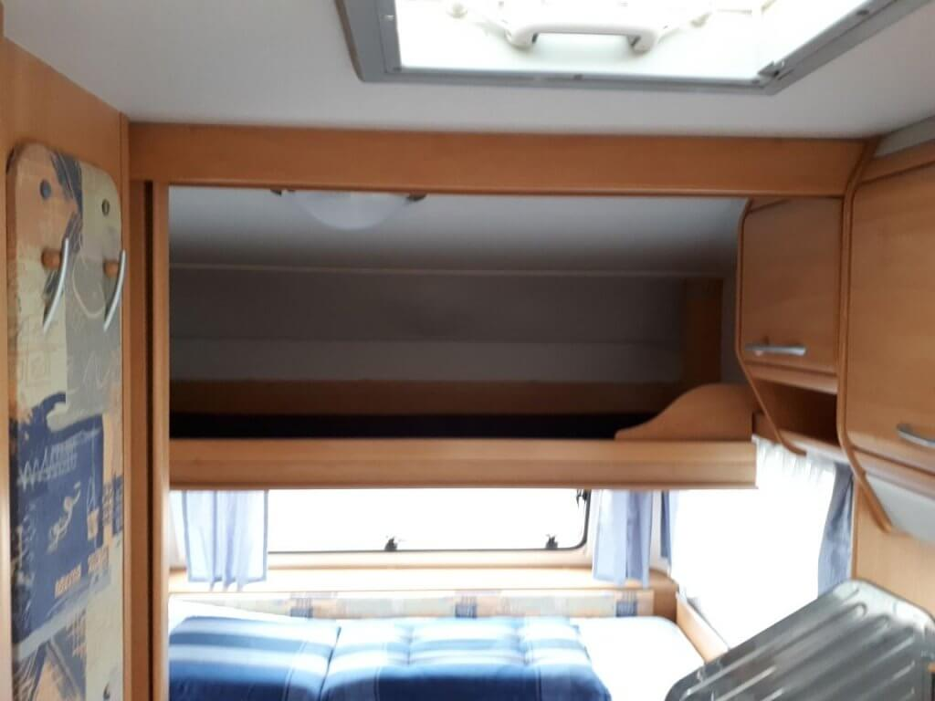 Wohnwagen Etagenbett Knaus : Wohnwagen knaus country mit vorzelt und etagenbett